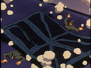 Disney Gargoyles - Leader of the Pack - gate crushes guards