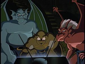 Disney Gargoyles - Upgrade - trio watches TV